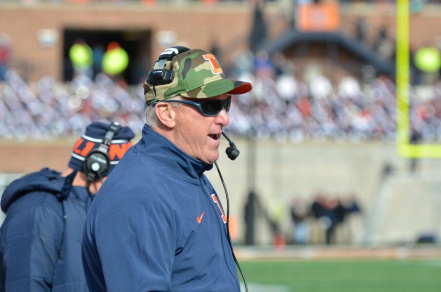 Illinois%27+offensive+coordinator+Bill+Cubit+yells+unto+the+field+during+the+game+against+Iowa+at+Memorial+Stadium+on+Saturday%2C+Nov.+15%2C+2014.+The+Illini+lost+30-14.