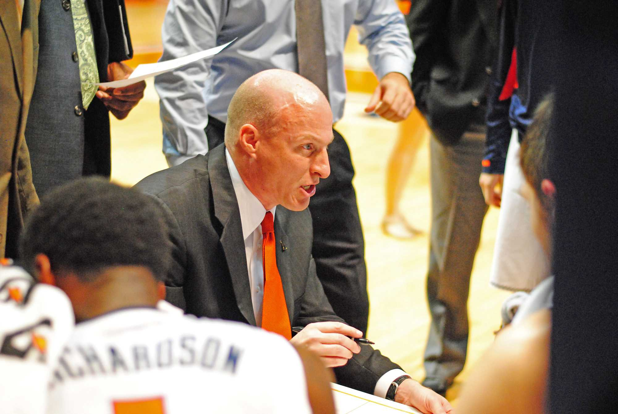 Priten+Vora+The+Daily+Illini%0DIllinois+Head+Coach+John+Groce+gives+directions+to+his+players+during+a+second-half+timeout+during+the+game+against+the+Lewis+Flyers+on+Saturday%2C+Oct.+27%2C+2012+at+Assembly+Hall.+The+Illini+won+79-47.