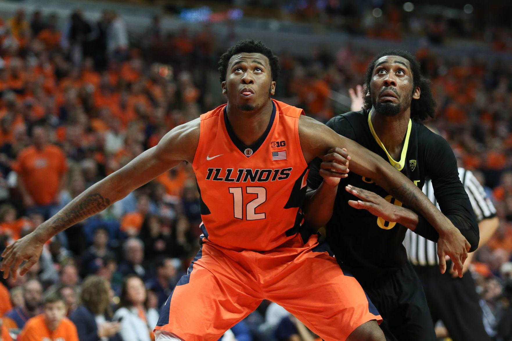 Leron Black (12) during Illinois's game against Oregon at the United Center in Chicago last season. The Illini face UIC there on Saturday with a chance to rise above .500.