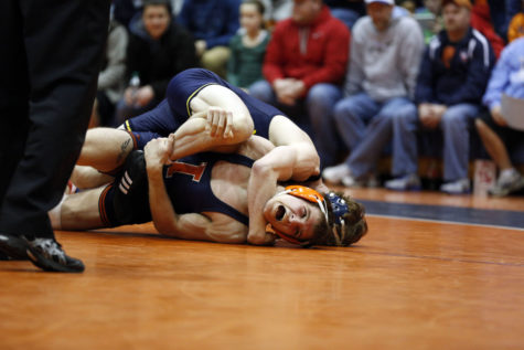 No. 13 Illinois wrestling look to bounce back in conference play at Michigan