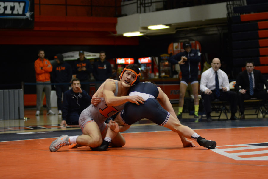 Isaiah Martinez suffers first career loss, Illini fall to Penn State, 30-15