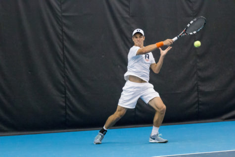 Illinois men's tennis face multiple top-25 teams over the weekend