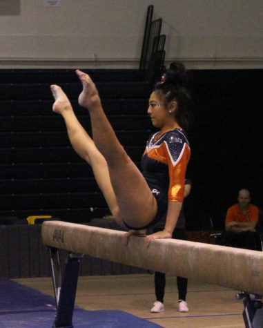 Illinois women's gymnastics squeaks passed Penn State