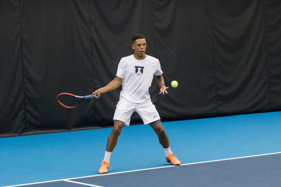 Illinois%27+Julian+Childers+swings+for+the+ball+during+the+match+against+Valparaiso+at+the+Atkins+Tennis+Center+on+Friday%2C+January+22%2C+2016.+Illinois+won+4-0.