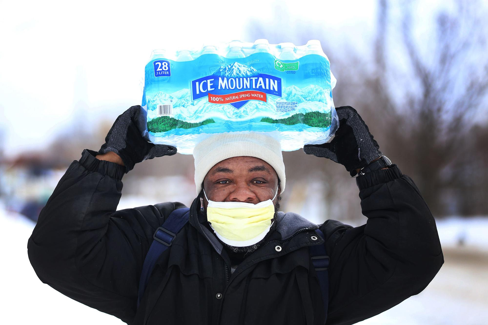 Students+and+faculty+at+the+University+were+inspired+by+various+connections+to+Flint%2C+MI%26nbsp%3Bto+raise+%241%2C278+for+residents+of+the+city.