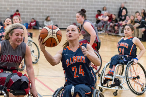 Illinois wheelchair basketball teams succeed in final home tournament of season