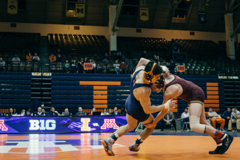 Illini wrestling look to postseason after Minnesota win