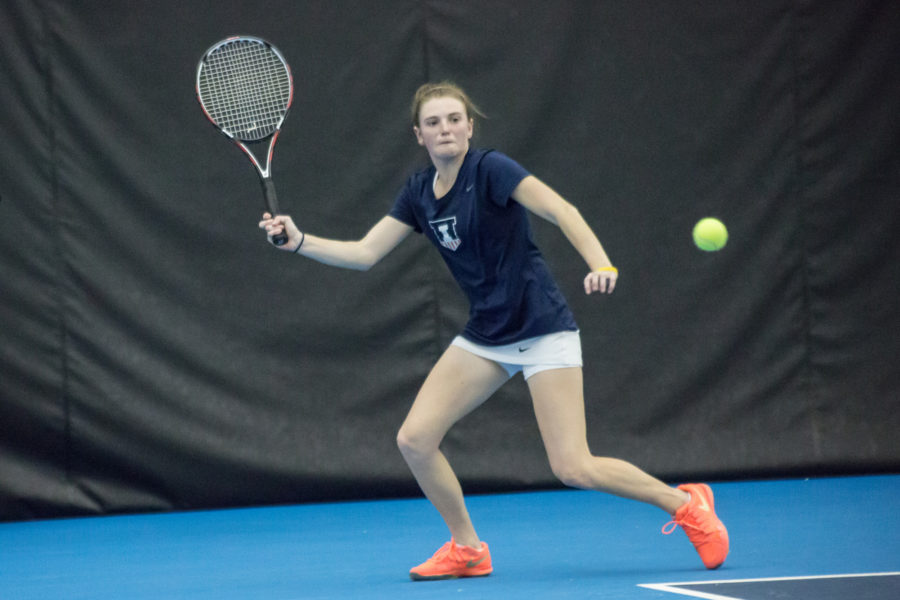 Illinois%27+Alexis+Casati+attempts+to+return+the+ball+during+the+meet+against+DePaul+at+Atkins+Tennis+Center+on+Feb.+19%2C+2016.+The+Illini+lost+3-4.