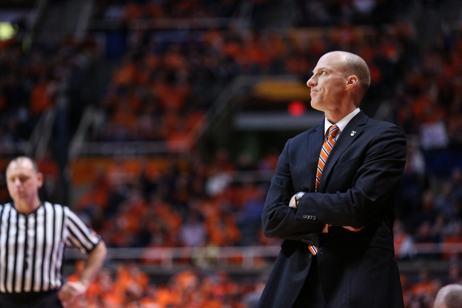 Illinois' head coach John Groce reacts to a play on court during last season's 86-80 Illini win over Northwestern. His team dropped a 58-56 game to the Wildcats on Saturday night.