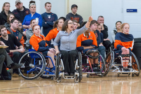 Illinois wheelchair basketball teams look out for rubber in Whitewater