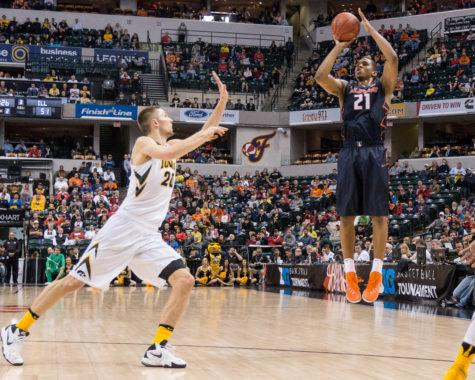 Instead of wilting under pressure, Illinois stood up to No. 20 Iowa Thursday