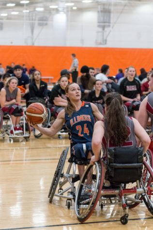 Illinois wheelchair basketball teams cruise through day one at nationals