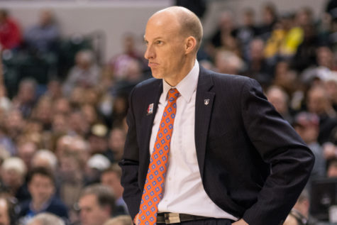 Watch: Illinois basketball's John Groce talks Da'Monte Williams injury