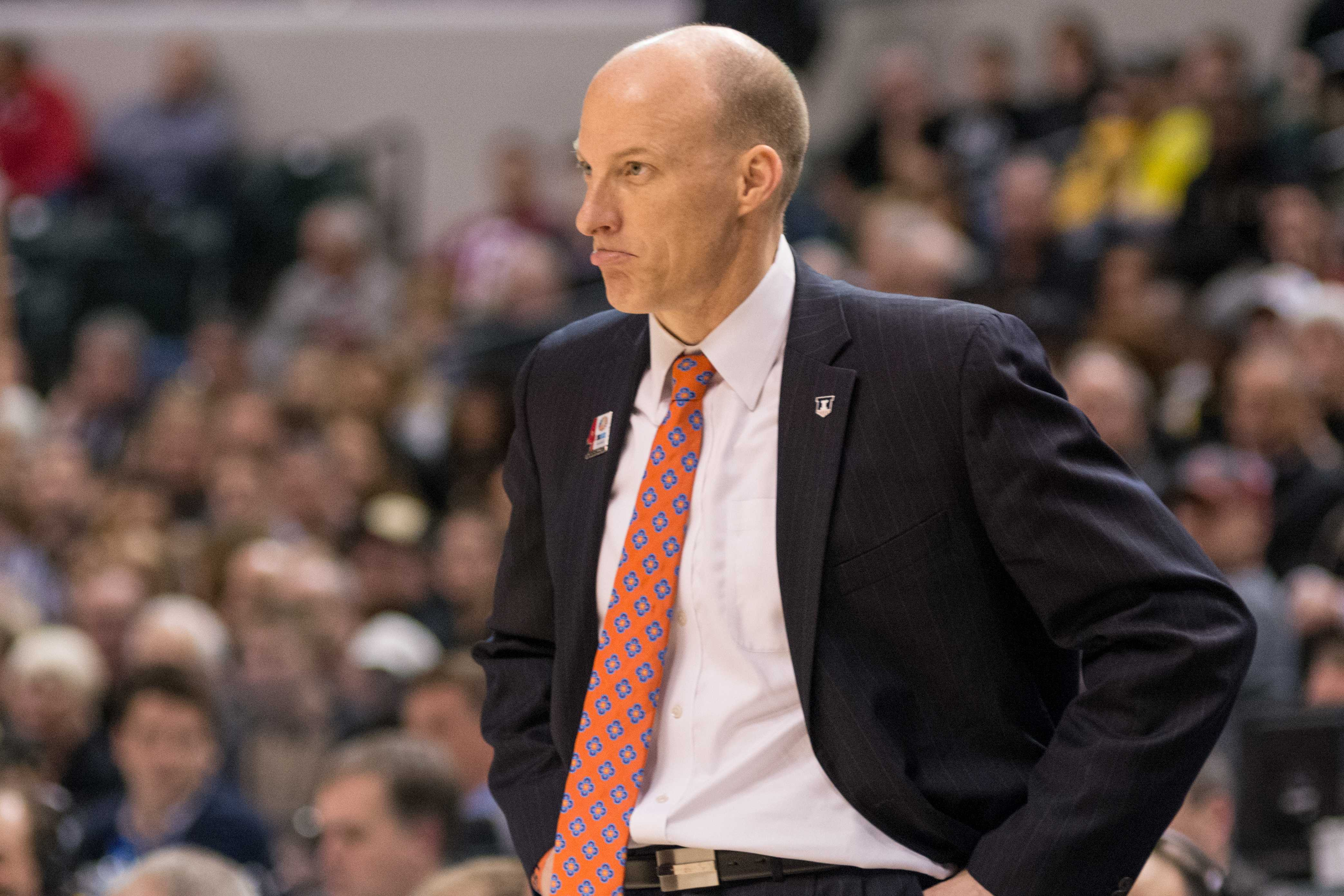 The+guys+discuss+John+Groce%27s+status%26nbsp%3Bas%26nbsp%3BIllini+basketball+coach+and+what+the+future+of+the+program+holds.+They+also+debate+how+to+handle+the+allegations+of+Jaylon+Tate+and+Kendrick+Nunn+and+break+down+the+comments+of+their+former+high+school+coach%2C+Robert+Smith.