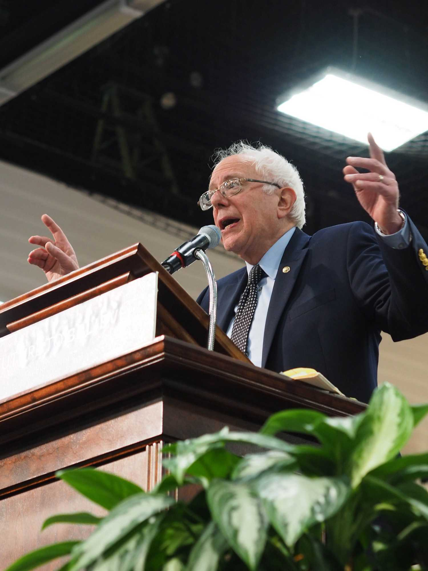 %3Cp%3EVermont+senator+and+presidential+candidate%26nbsp%3BBernie+Sanders+held+a+rally+at+the+University+on+Saturday%26nbsp%3Bto+encourage+people+to+vote+in+the+Illinois+primary+election.+The+packed+gym+in+the%26nbsp%3BActivities+and+Recreation+Center+was+full+of+people+of+different+ages%2C+hometowns+and%26nbsp%3Bbackgrounds.%26nbsp%3B%3C%2Fp%3E