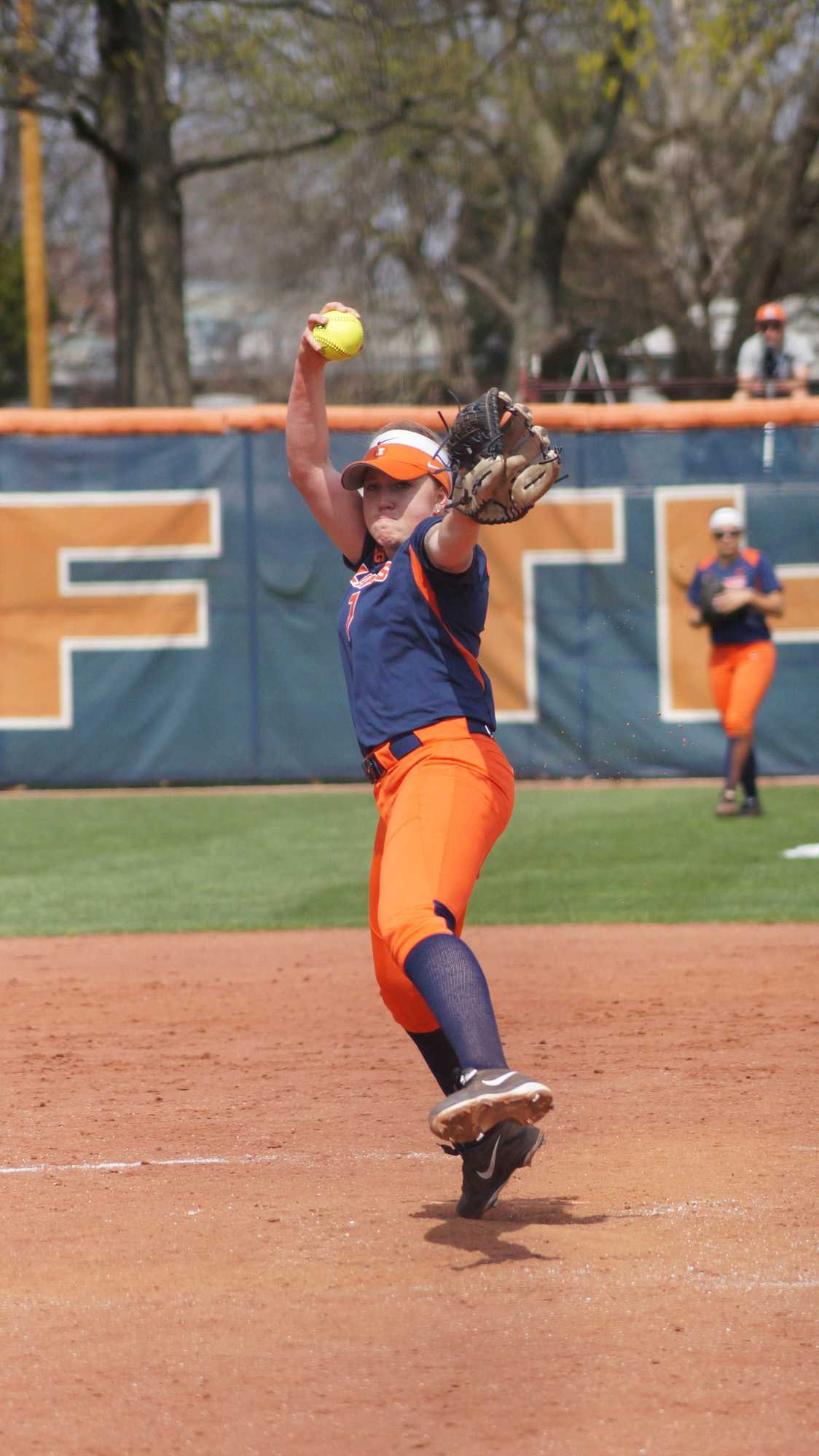 Illinois' Jade Vecvanags (7) pitches the ball during the softball game v. Wisconsin at Eichelberger Field on Saturday, Apr. 18, 2015. Illinois won 5-3.