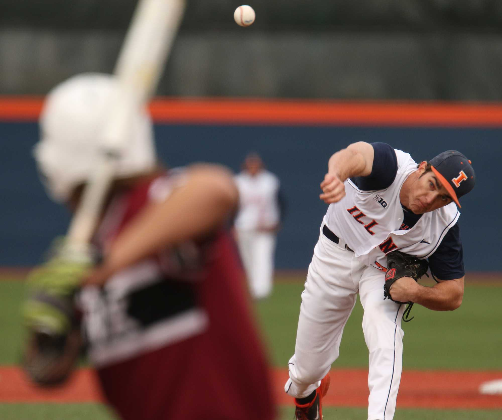 Illinois' Cody Sedlock (29) pitches during the game against Lindenwood University at Illinois Field, on Wednesday, March 18, 2015. The Illini won 7-1.