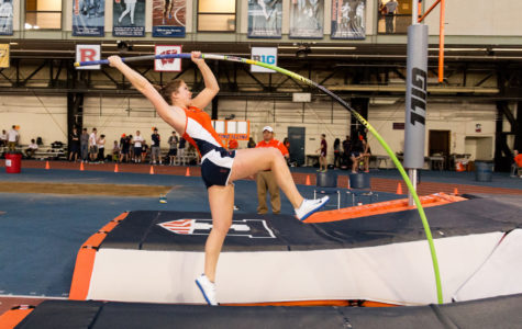 Strong winds can't slow down women's track and field