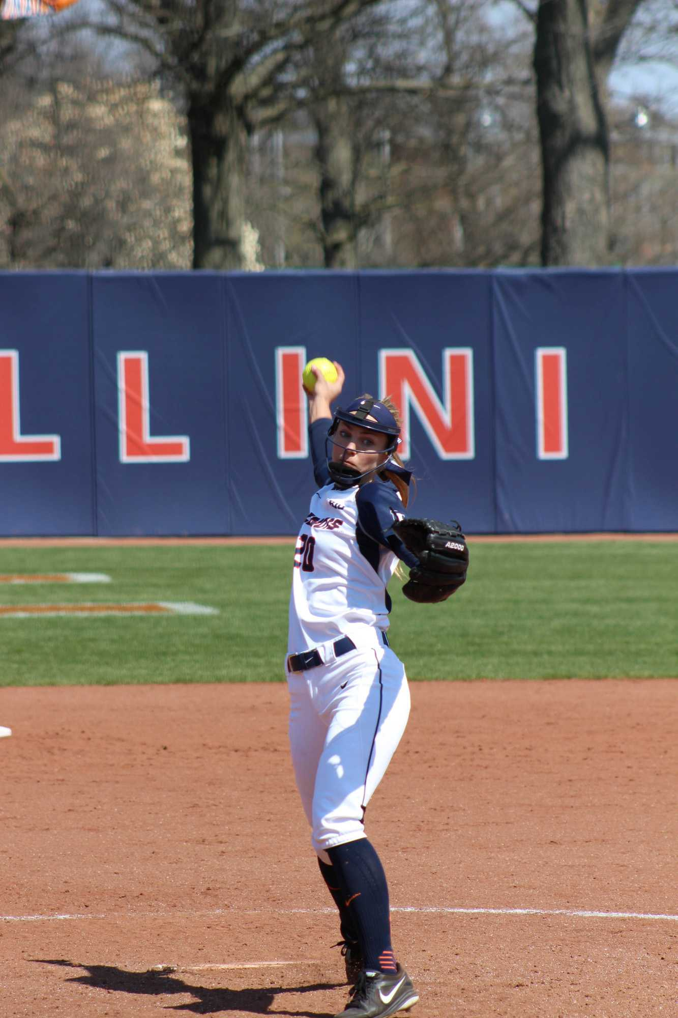 Illinois' Breanna Wonderly pitches in the game against Rutgers at Eichelberger Field on Sunday, Apr. 3, 2016