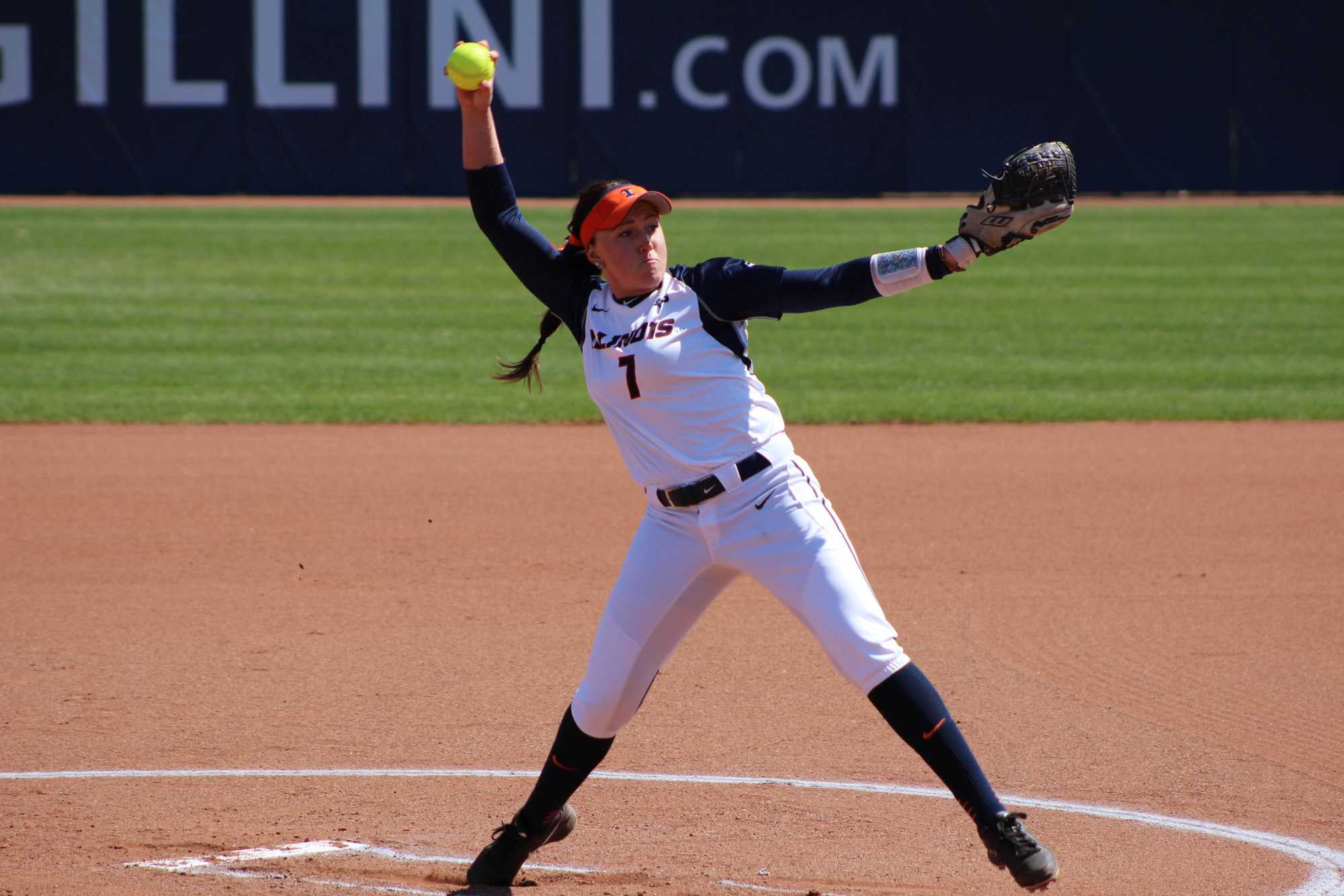 Illinois' Jade Vecvanags pitches in the game against Rutgers at Eichelberger Field on Sunday, Apr. 3, 2016