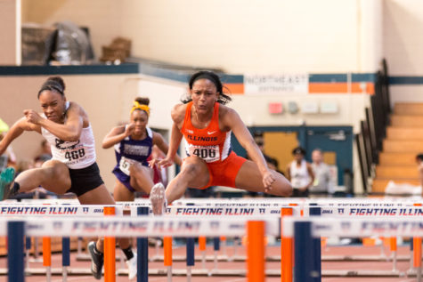 Illinois women's track and field win five events in loss to UCF