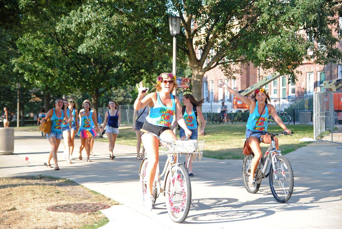 Alpha Chi Omega sorority members arrive on the Quad to welcome the 2013 pledge class. The 2016 pledge class will begin recruitment this upcoming weekend.