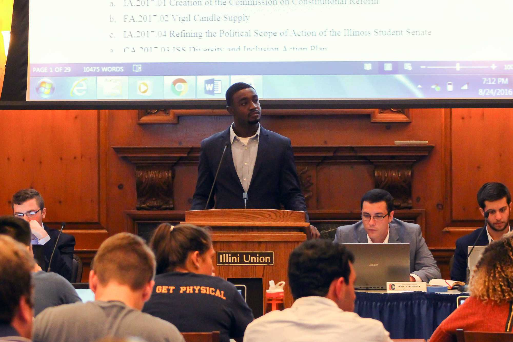 Student Body President Ron Lewis holds a public forum during the Illinois Student Senate's first meeting at the Illini Union Pine Lounge on Aug. 24.