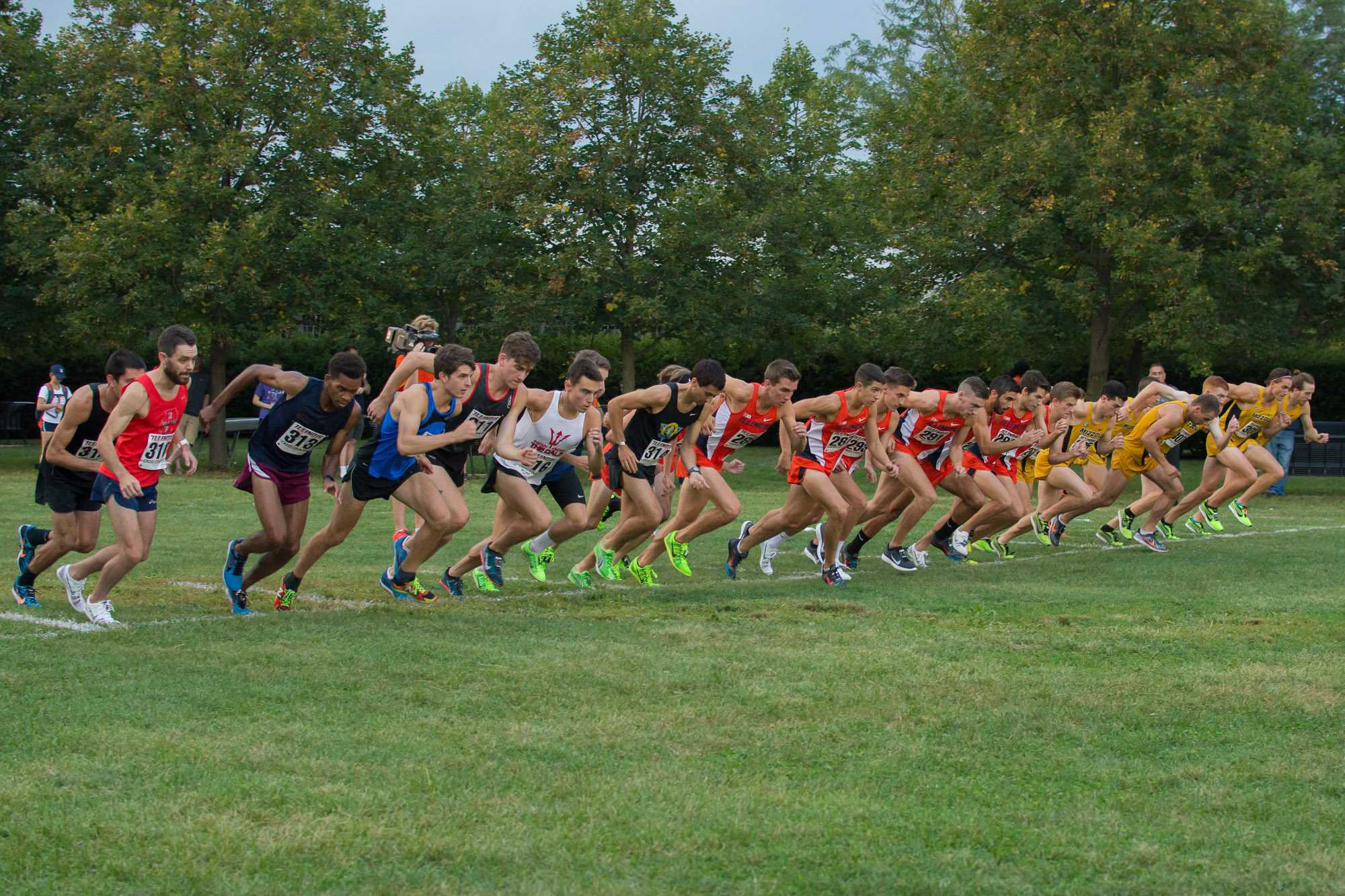 The men taking off at the Illini Challenge 2015 at the Arboretum on September 4.