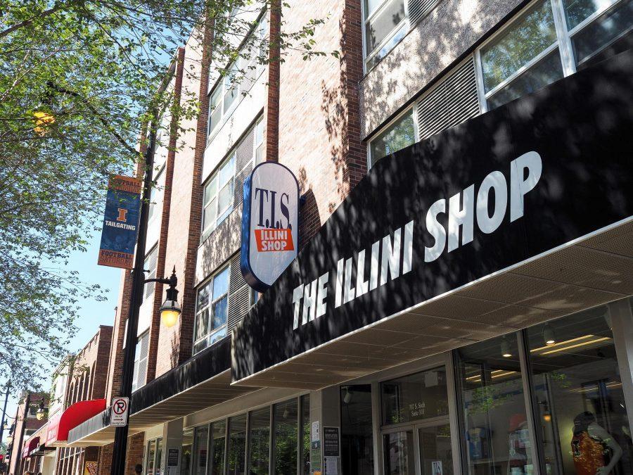 T.I.S.+%E2%80%94+the+former+bookstore+%E2%80%94+is+now+The+Illini+Shop.+