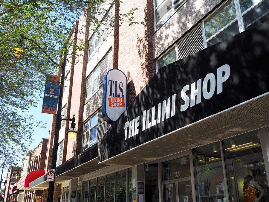 T.I.S.+%E2%80%94+the+former+bookstore+%E2%80%94+is+now+The+Illini+Shop+in+Champaign.+Because+of+this+change%2C+the+Illini+Union+Bookstore+is+now+the+sole+bookstore+on+campus.