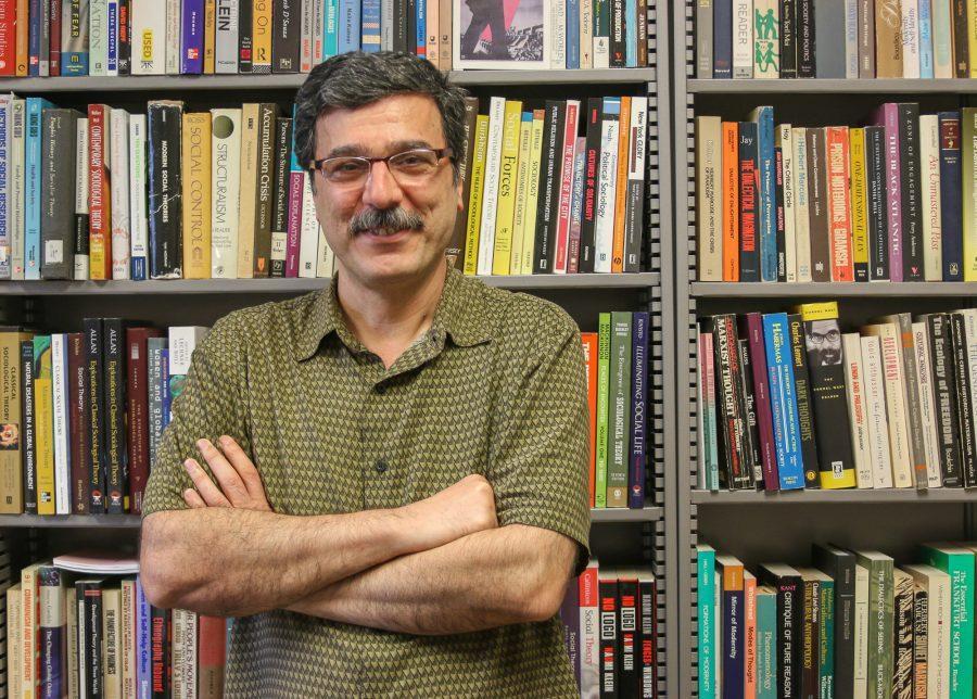 Universiy+of+Illinois+Professor+Behrooz+Ghamari-Tabrizi+published+his+memoir%2C+%22Remembering+Akbar%3A+Inside+the+Iranian+Revolution%22%2C+in+September+based+on+his+experience+during+Iran%27s+Revolution.