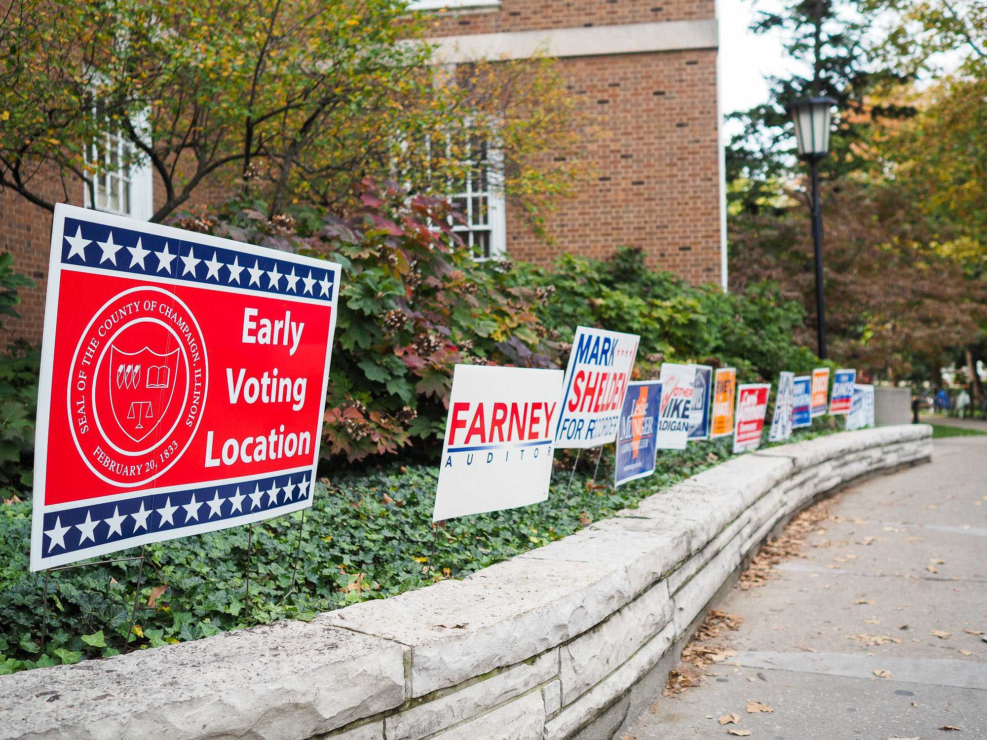 Early voting started at the Illini Union on Monday. Many campaigns have placed signs out front to persuade voters.