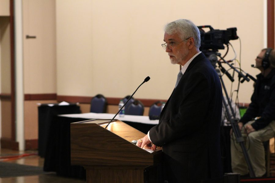 UIUC President Timothy Killeen addresses the Board of Trustees during a meeting at the Illini Union on Thursday, Sept.  8, 2016.