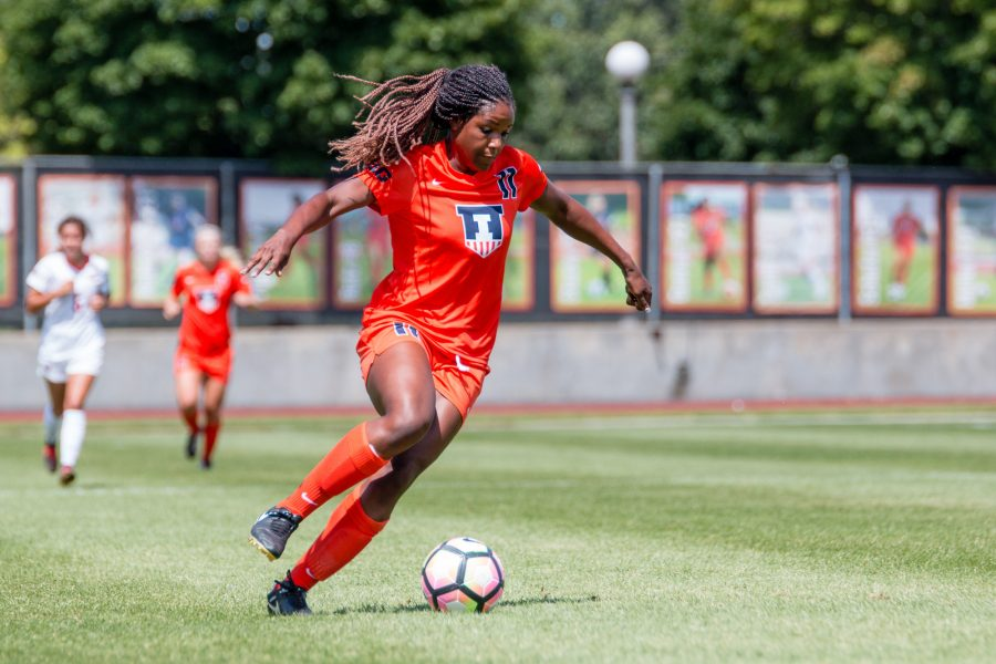 Illinois%27+Patricia+George+dribbles+the+ball+down+the+field+during+the+game+against+Illinois+State+at+Illnois+Soccer+Stadium+on+Sunday%2C+August+21.+The+Illini+won+1-0.