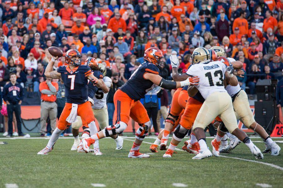 Illinois+backup+quarterback+Chayce+Crouch+%287%29+passes+the+ball+during+the+game+against+Purdue+at+Memorial+Stadium+on+Saturday%2C+October+8.+The+Illini+lost+34-31.