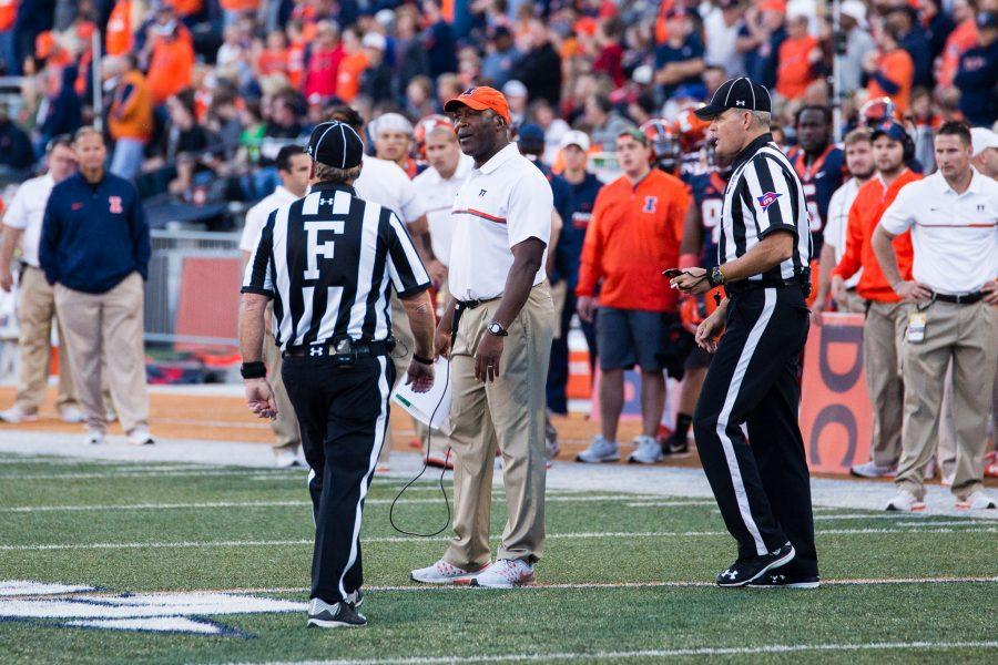 Illinois+head+coach+Lovie+Smith+talks+to+the+refs+after+a+penalty+during+the+game+against+Purdue+at+Memorial+Stadium+on+October+8.+The+Illini+lost+34-31.