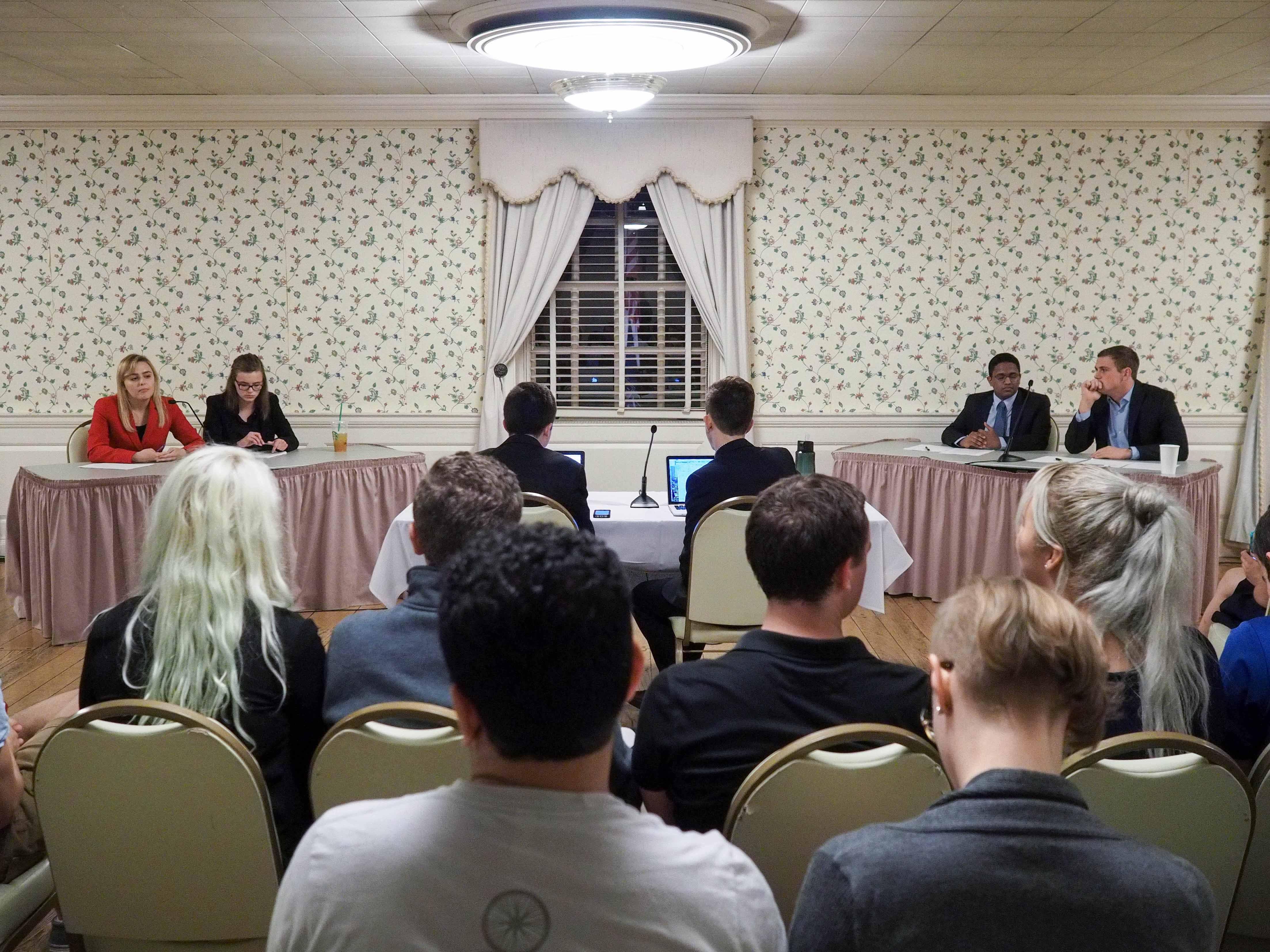 Illini Student Senate members hold Republican-Democratic debate in the Union. October 6, 2016.