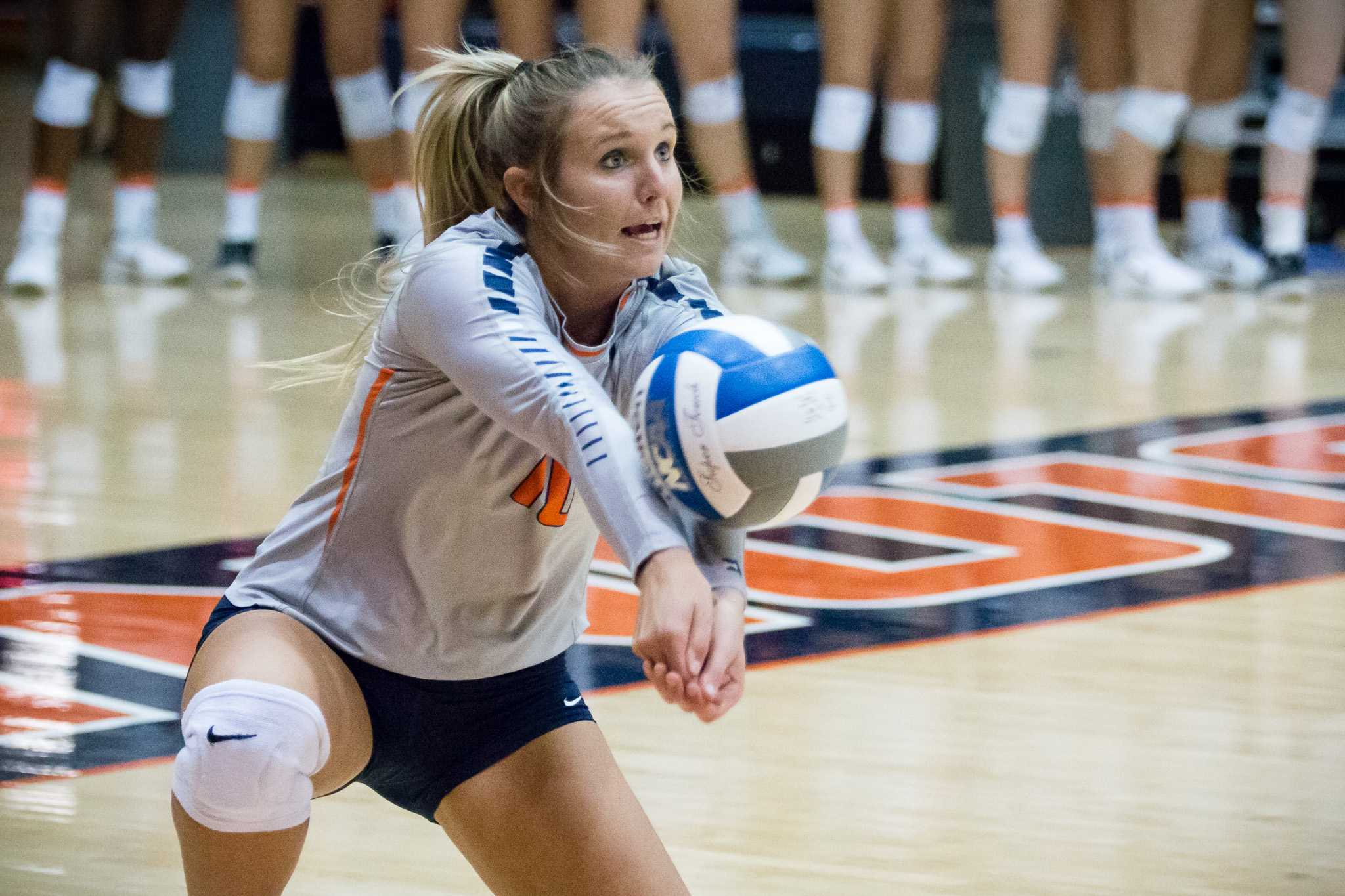 Illinois' Danielle Davis passes the ball during the match against Northwestern at Huff Hall on Saturday, October 15. The Illini won 3-0.