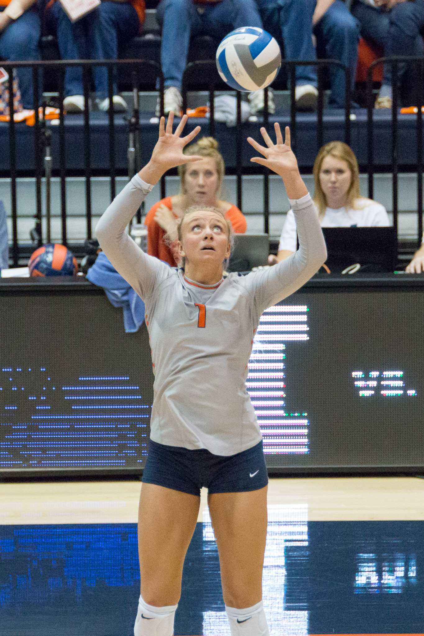 Illinois' Jordyn Poulter sets the ball during the match against Northwestern at Huff Hall on Saturday, October 15. The Illini won 3-0.