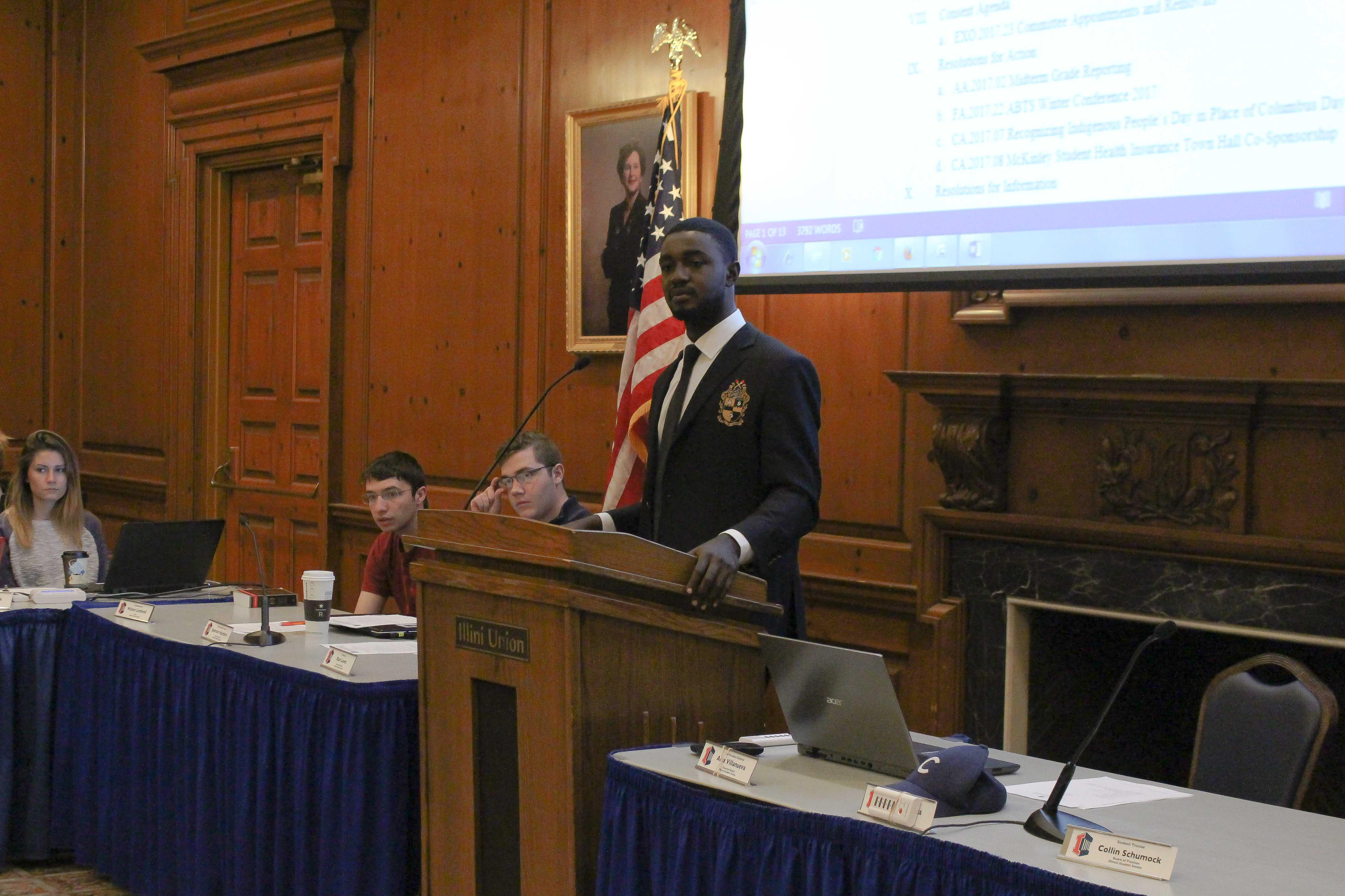 Ron Lewis addresses Illinois Student Senate Meeting on Wednesday night at the Union.