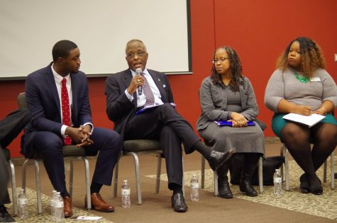 Chancellor Jones discusses the UI black community with student leaders