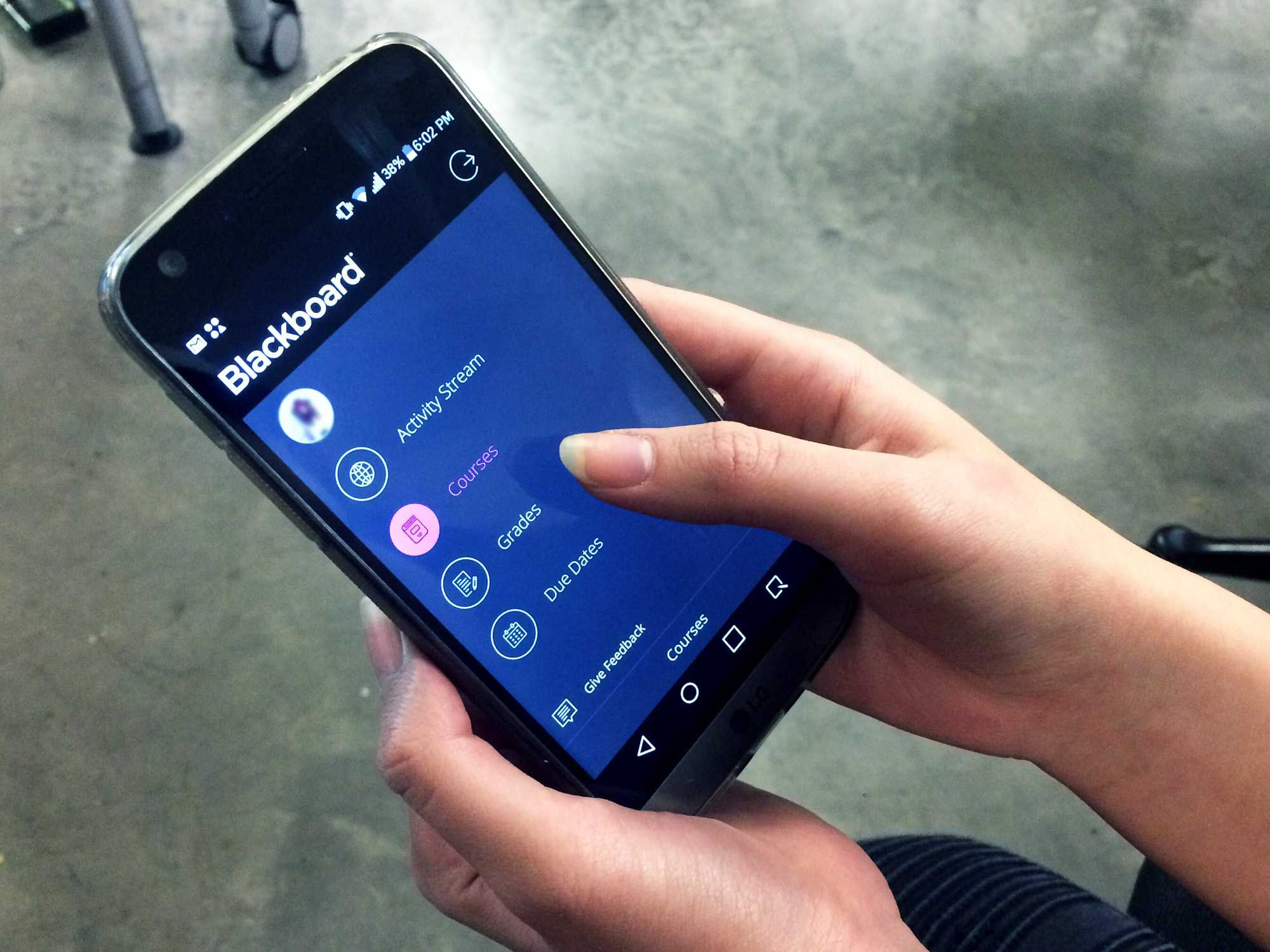 Students are encouraged to use the new Bb Student app, which will replace the old Blackboard app.