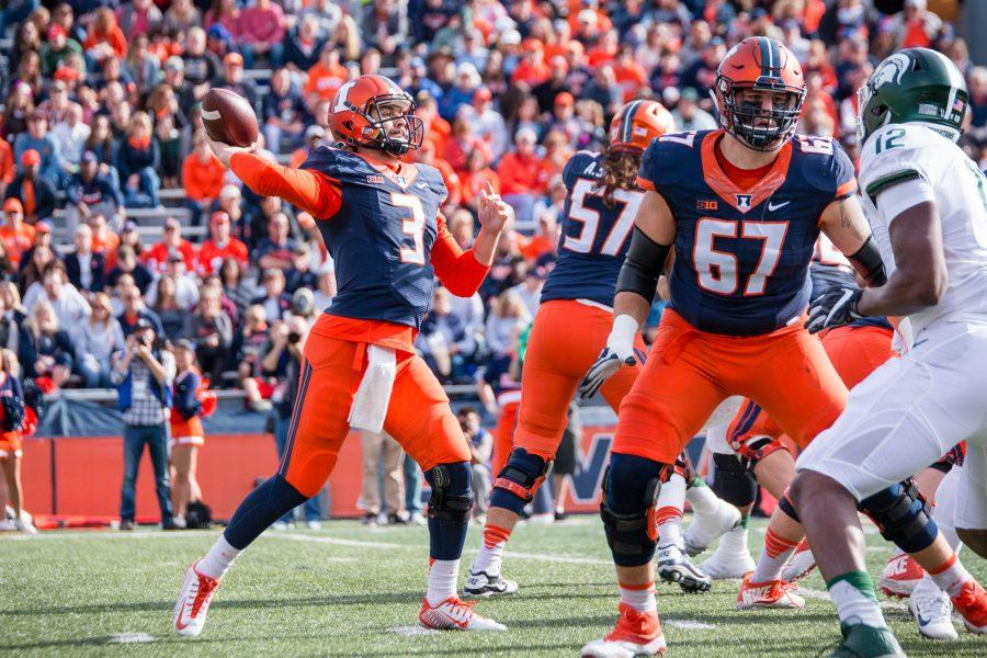 Illinois+quarterback+Jeff+George+Jr.+%283%29+passes+the+ball+during+the+first+half+of+game+against+Michigan+State+at+Memorial+Stadium+on+Saturday%2C+November+5.+The+Illini+won+31-27.