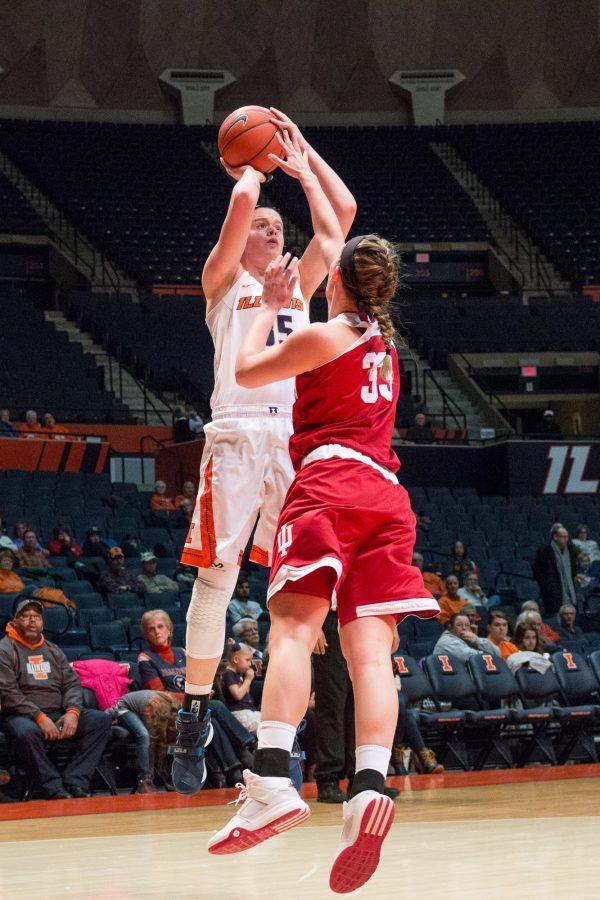 Illinois%27+Alex+Wittinger+shoots+a+jumper+over+Indiana%27s+Amanda+Cahill+during+the+game+against+Indiana+at+the+State+Farm+Center+on+February+10.+The+Illini+lost+70-68.