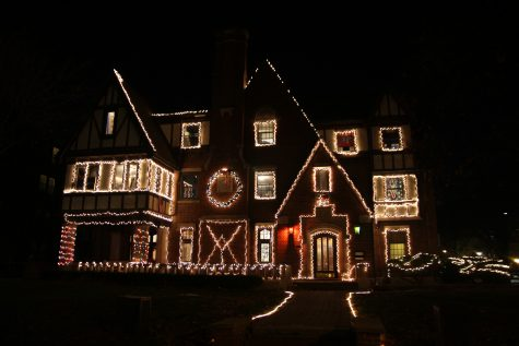 Best fraternity holiday lights, according to DI poll