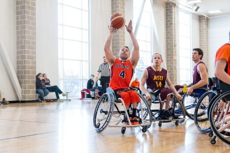 Illinois men's wheelchair basketball team eyes the Bucks in Champaign
