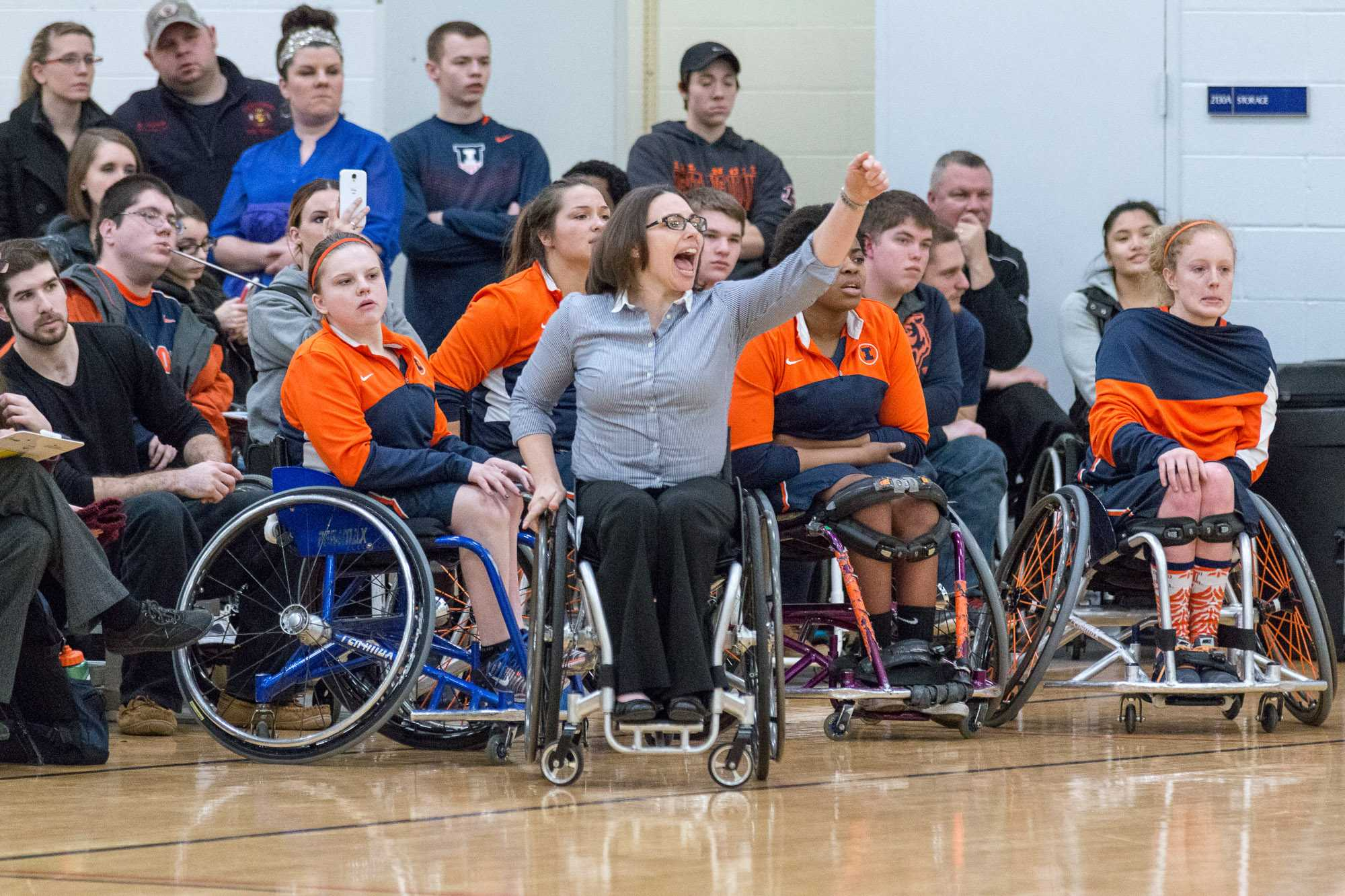 Illinois head coach Stephanie Wheeler shouts instructions to her team during the game against Alabama at the Activities and Recreation Center on February 12. The Illini won 56-47.