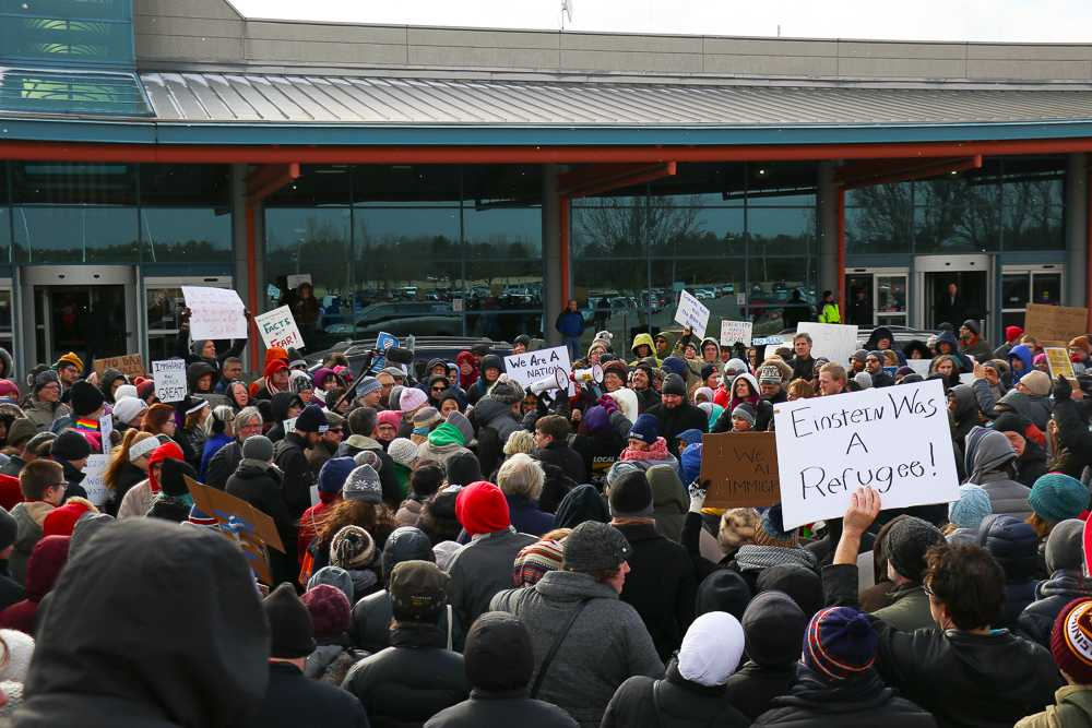 At+local+airport+immigration+rally%3A+%E2%80%98This+is+a+nation+of+laws%E2%80%99