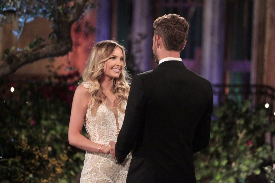University+alum+Elizabeth+Whitelaw+meets+Nick+Viall+for+the+first+time+during+The+Bachelor+season+21.+
