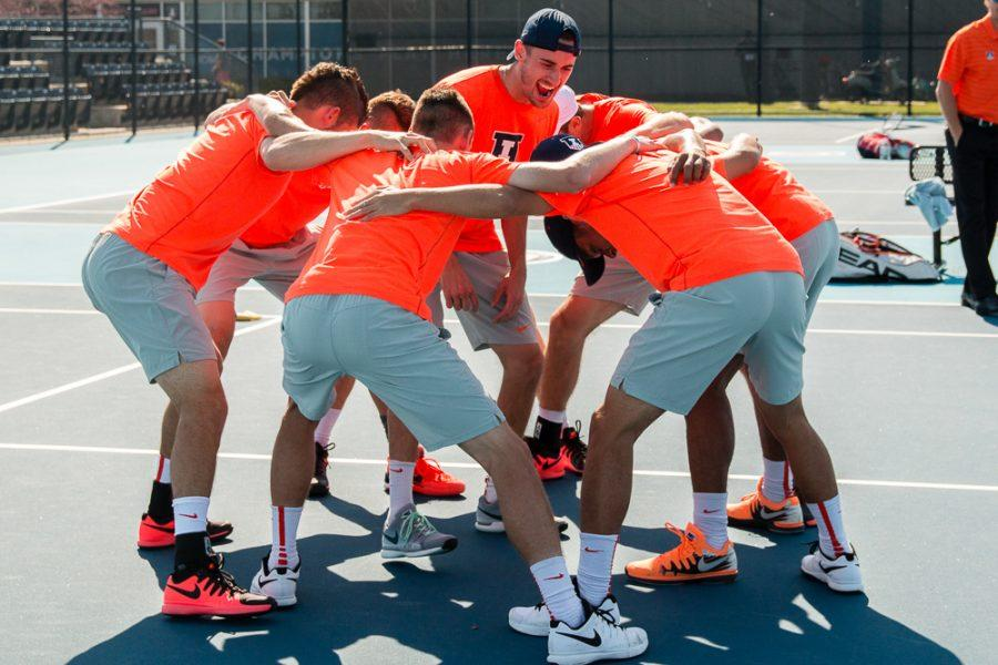 Illinois+Men%27s+Tennis+huddles+up+before+the+match+against+Michigan+State+on+April+15%2C+2016.